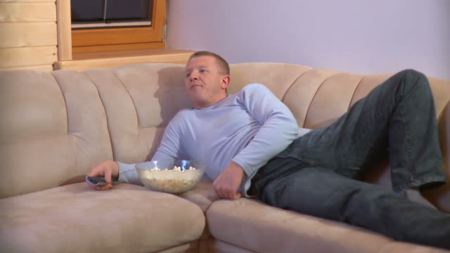 HD DOLLY: Couch Potato video