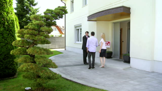 HD CRANE: Couple Going To Open House video
