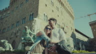 Couple of tourists in Florence, Piazza della Signoria video
