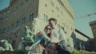 Couple of tourists in Florence, Piazza della Signoria video