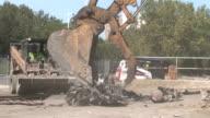 Crane Grabs Metal Scraps video