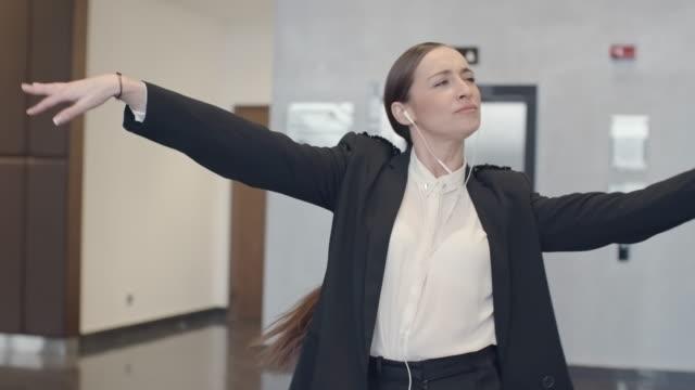 Crazy Businesswoman video