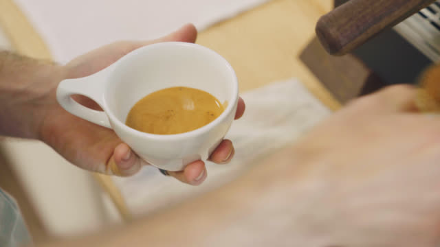 Creating A Beautiful Latte video