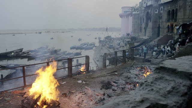 Cremation fire on a Ghat by Ganges. video
