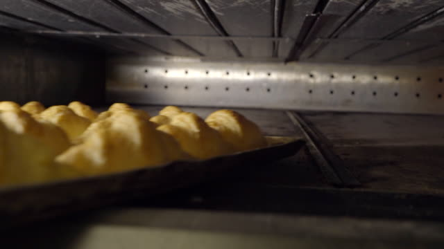 crossiant on the oven video
