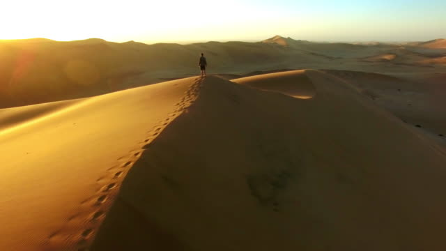 Crossing the endless sands video