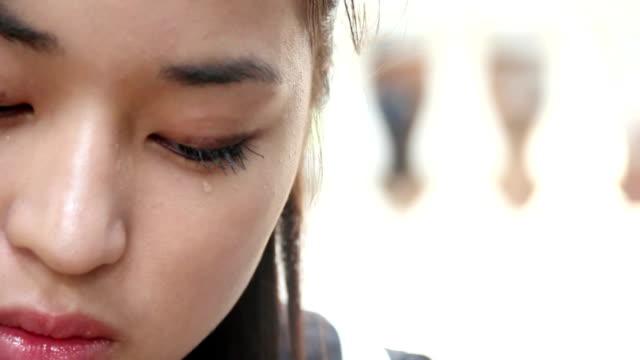crying girl_HD/NTSC/PAL video