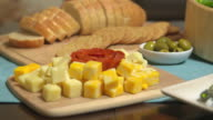 Cubed Cheese Rack Focus Crackers video