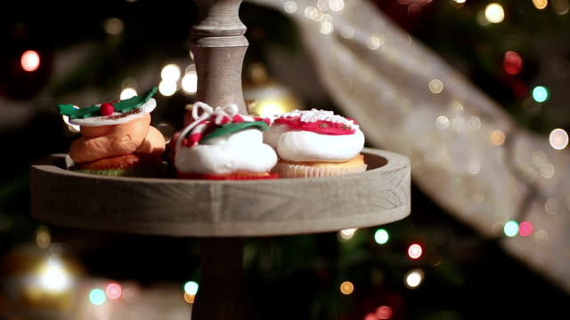 cupcakes and christmas lights video
