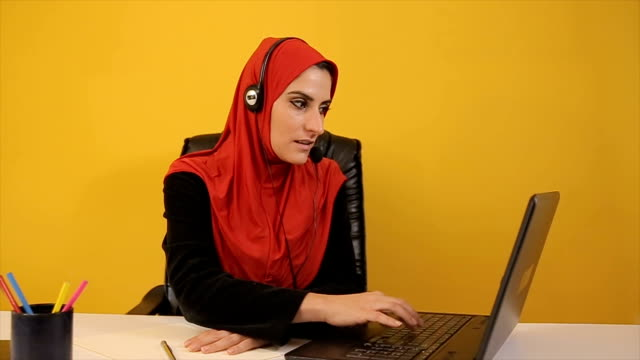 Customer support,young Arab woman operator video