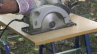cutting a panel with a circular saw video