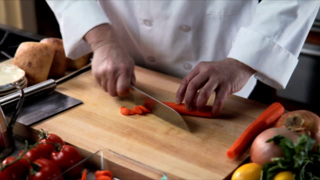 Cutting carrots video