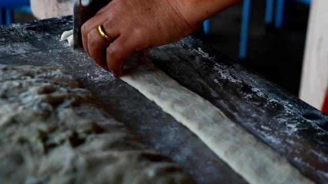 Cutting dough video