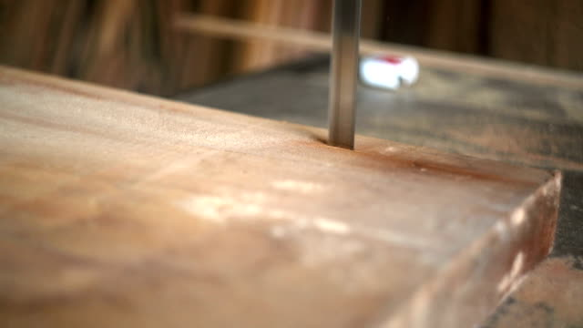 Cutting Lumber video