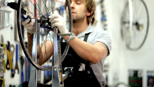 cycle mechanic video