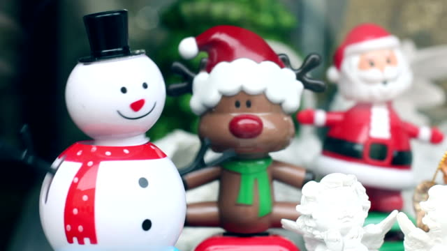 Dancing snowman and reindeer, funny, humor video