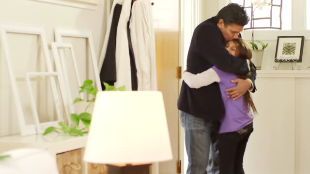 Daughter greets dad video