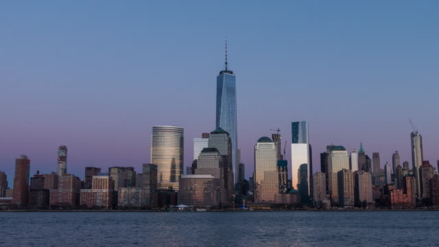 Day to night time lapse of New York skyline video
