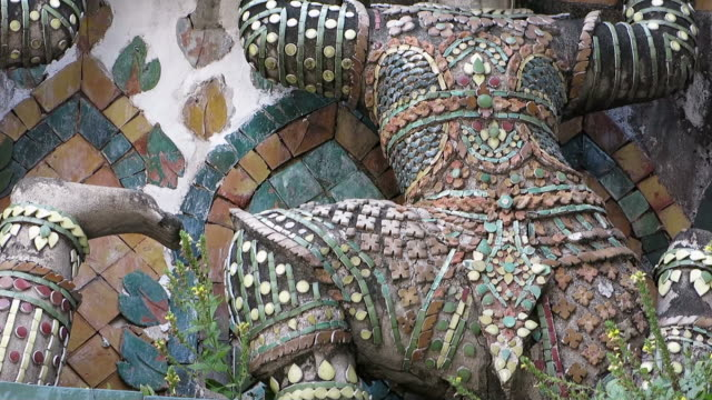 Decoration of Wat Arun (Temple of Dawn) video