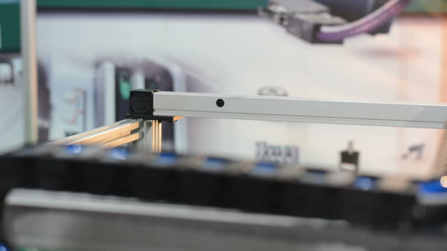 Demonstration of Mechanical Arm picking and moving Cubic video