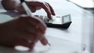 Desk calculating Numbers   DE  BS MO video