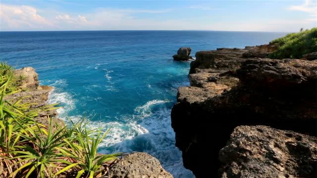 Devil's tears-landmark of Nusa Lembongan island, Indonesia. video