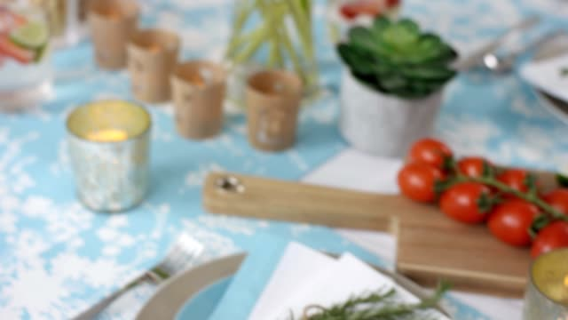 Dining Table - Summer lunch - Place setting video