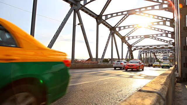 HD Dolly:vehicle traffic on bridge. video