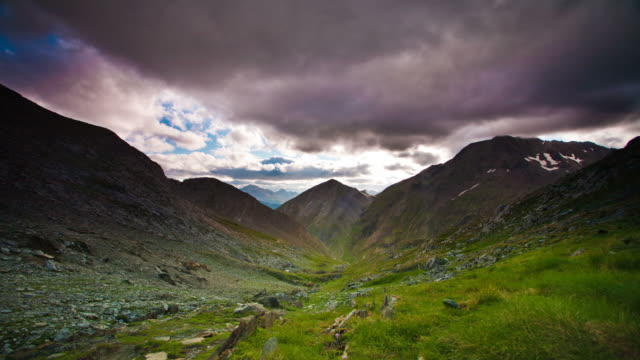 TIME LAPSE: Dramatic Sky Pyrenees video