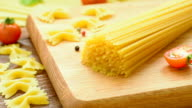 Dry spaghetti and other pasta video