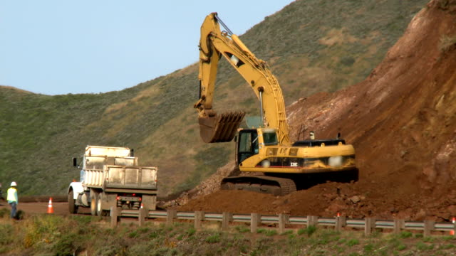 earth movers video