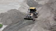 Earthmover leleving the ground video