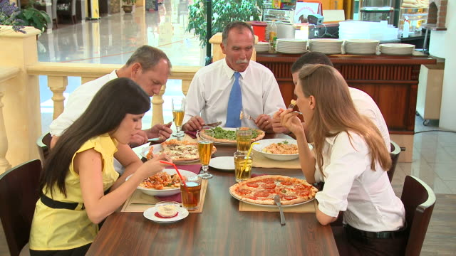 HD DOLLY: Eating Out video