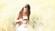 eBook girl summer. video