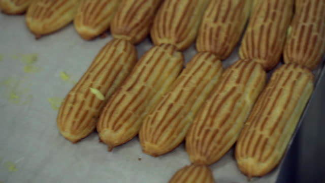 Eclairs Decorating Process video