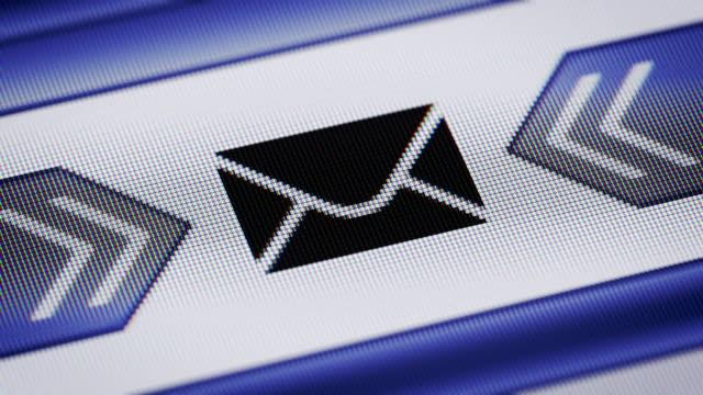 E-mail video