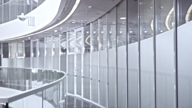 DS Empty and bright corporate hallway video