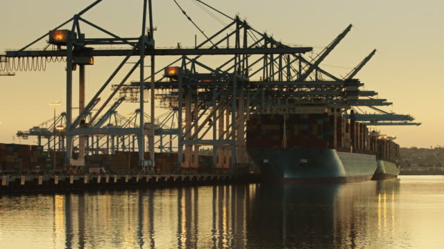 Evening Arrivals at the Port of LA video