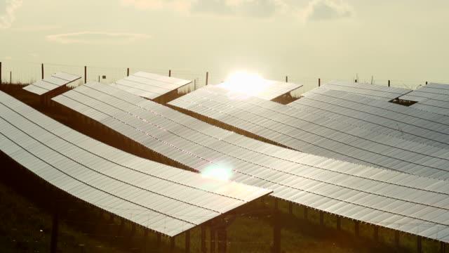 HD Evening Sun on Solar Panels Time Lapse (4:2:2@100 Mb/s) video