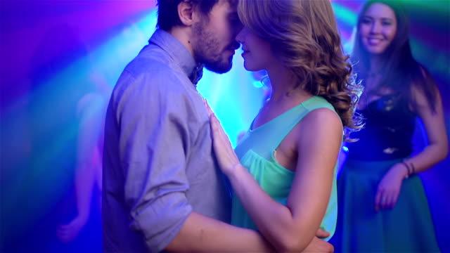 Everybody Dance video