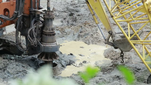 Excavator and  Pile driver machine Drilling rigs for footing building structures video