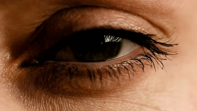 Eye zoom in video