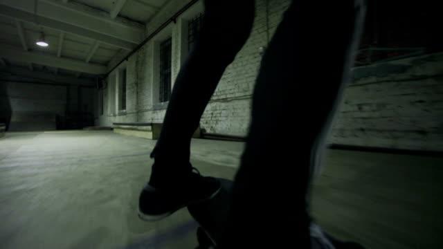 Fail in skatepark video