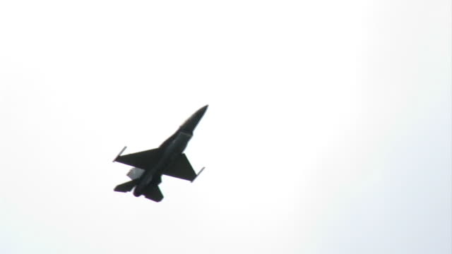 F-16 Falcon 02 slow and close video