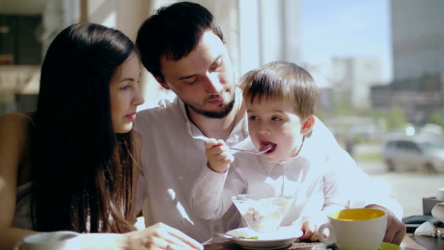 Family breakfast in the cafe. video