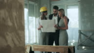 Family consulting with a architect video
