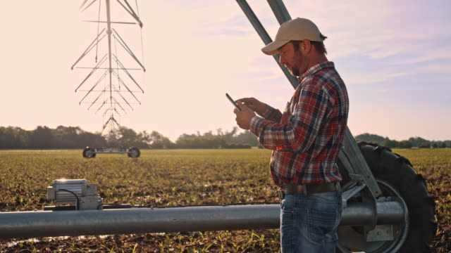 DS Farmer using a digital tablet on the field video