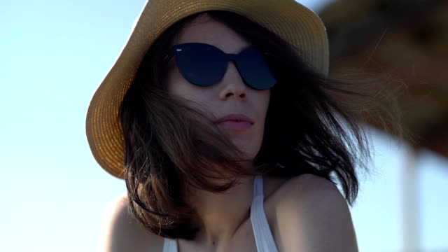 Fashion Woman In Sunglasses With Beach Reflection video