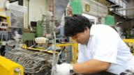 fat engineer repairs die of twin screw extruder video