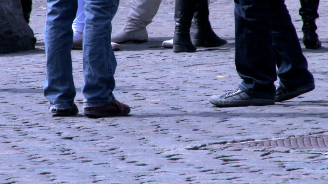 HD Feet walking in the city and pigeon video